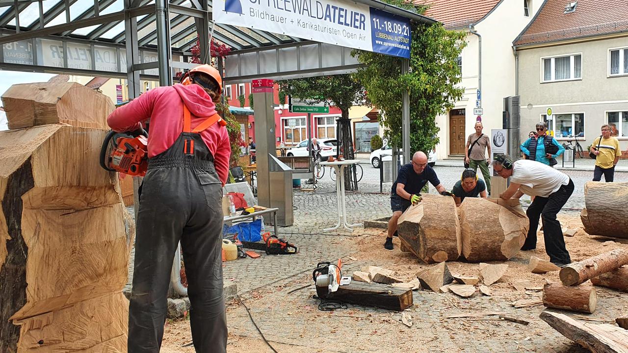 Künstler arbeiten beim Spreewaldatelier 2021 (Foto: Nopper)